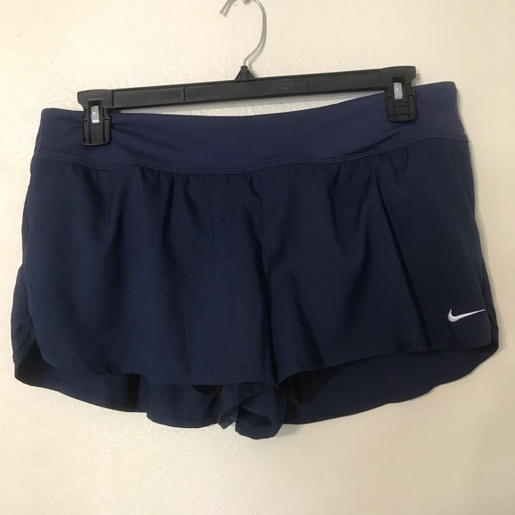 Nike short new size L